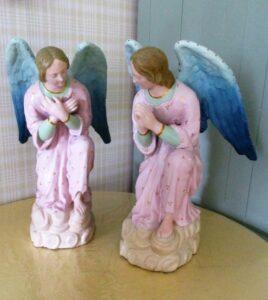 Twee engelen na restauratie door Marie Mul